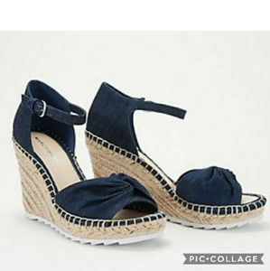 Marc fisher karli bow wedges 6.5